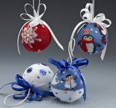 sock-ornaments-reuse-repurpose 2
